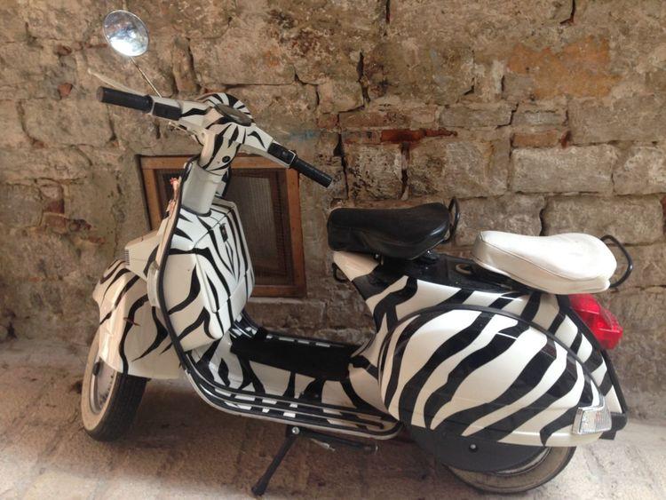 Vespa selvaggia! Vespa Scooter Rovinj Croatia Fashion Animalier Style