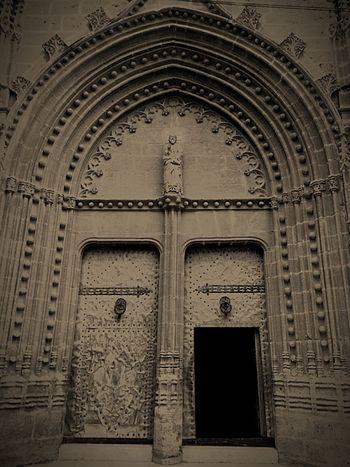 Old Oldchurch Oldarchitecture Metaldoor Church Archway Oldlook España