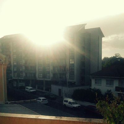 I tried to capture the rain fall/drizzle against the backdrop of the sun. Puddingcamera Goodmorning View Rawsondevelopment