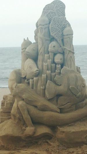 Amazing sand art on the Strand.. ❤❤Sand Art Hello World Sandsculptures