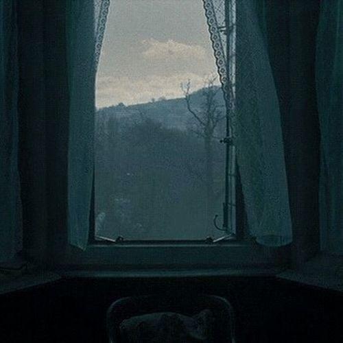 قد تكون نائماً وعشرات الدعواتُ تقرعَ أبواب السماء لك من فقير أعنتهَ أو حزين أدخلت عليه السرور أو مريض يسّرت علاجه، إعمل خيراً 🌸