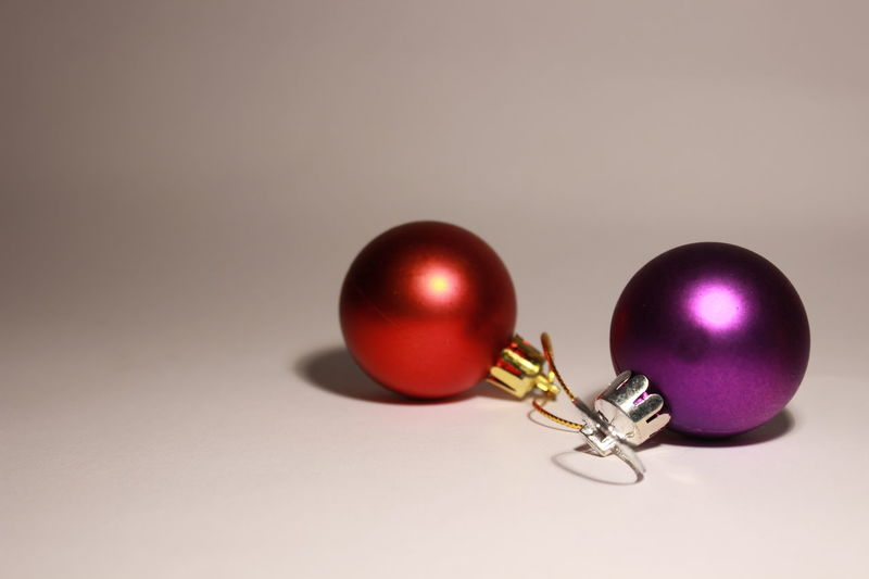 Christmas Christmas Decorations Christmas Time Christmas Is Coming Christmas Gift Christmas Present Christmas Tree Toy Red Christmas Ball Red Violet Congratulations Winter Wintertime