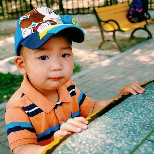 壮壮 Baby Eat Portrait photooftheday instgood igers sumner cap micky tshirt