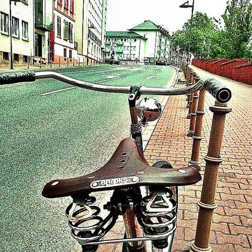 Bikegang Bicycle Bike Photography coolpic angle vintagebike oldbikes oldtown classicbikes beachcruiser streets statigram igdaily instaphotography instahub igser 10speed 100likes webstigram rides cobblestones