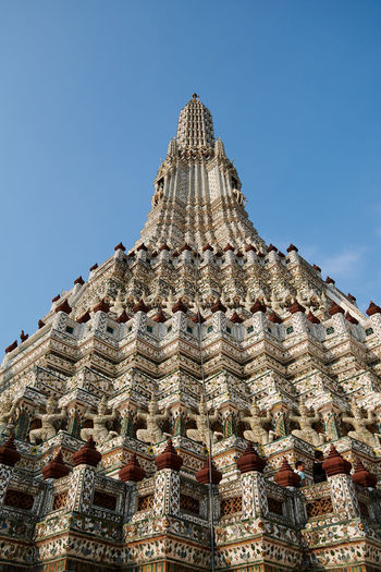 Wat Arun Temple Dawn Thailand Architecture Built Structure Sky Building Exterior Building Travel Destinations Low Angle View Clear Sky History Religion The Past Travel Belief Place Of Worship Spirituality Nature No People Tourism Day Outdoors Ancient Civilization Ornate Spire