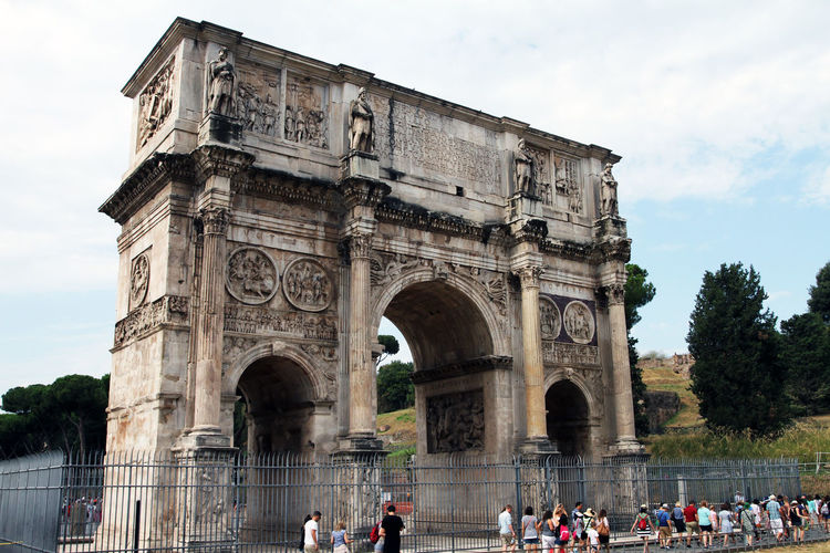 Ancient Civilization Arch Architecture Built Structure Crowd Day Group Of People History Large Group Of People Men Monument Nature Outdoors Real People Sky The Past Tourism Tourist Travel Travel Destinations Triumphal Arch Women