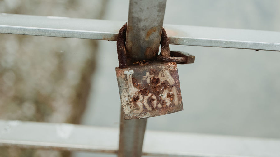 SONY DSC Metal Rusty Close-up No People Focus On Foreground Lock Day Safety Protection Security Padlock Old Outdoors Weathered Railing Hanging Barrier Boundary Fence Attached Latch Sarajevo Bosnia And Herzegovina Bosnia Streetphotography Street Street Photography Autumn Autumn colors Autumn Leaves autumn mood Autumn Collection