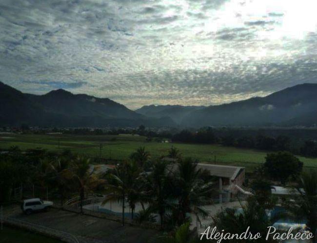 Una vista de los cerros verdes q rodean a Chanchamayo, ceja de selva de Junín, Perú The Traveler - 2015 EyeEm Awards Relaxing Hello World Travelling First Eyeem Photo Share Your Adventure