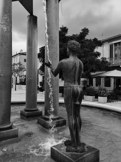 Hello World Streetphotography Streetphoto_bw Statue Fountains