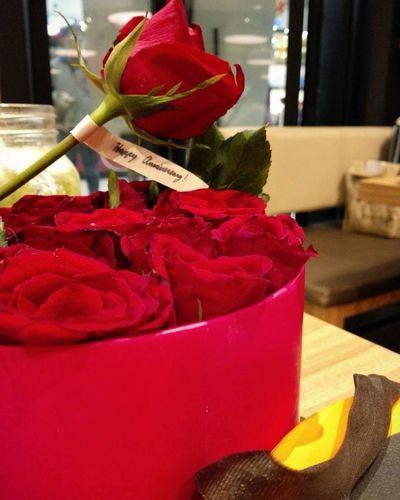 Redroses Roses Anniversary AnniversaryGift Anniversary Date Love Sweet Effort Man's Effort