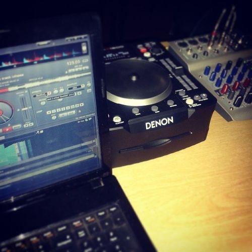 Denon Virtualdj Capitalbar Mixer music