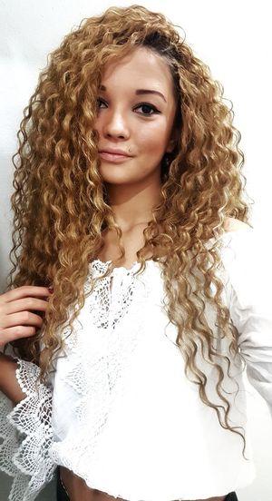 People HelloEyeEm Hello World Popular Photos Hair Hairstyle Cute Pets White Only Women Portrait Fashion