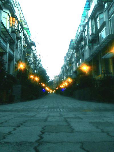 漫步於傍晚時分在此享受 First Eyeem Photo