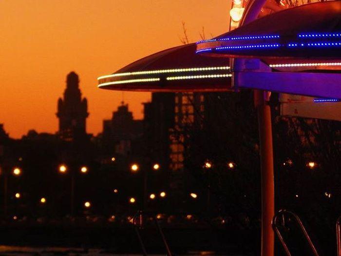 Pica el Palacio Salvo Splendid_horizon Sunset Sunsetlovers Sunset_pics Sunset_vision Super_photosunsets World_bestsunset WORLD_BESTSKY Worldbestgram Worldparadise .bb World_bestangels Awesome_earthpix Fotografosuy Amateurs_shot Palaciosalvo Parquerodo Sky_brilliance Audiovisualuruguay Igersuruguay Portadaigers Igerspostales Uruguay_estrella Barriosdemdeo Andamontevideo Montevideo