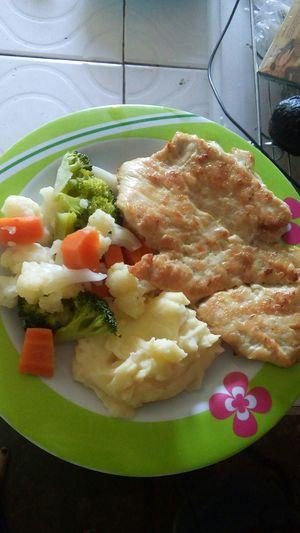 Yommy 🍴🍛🍺🍹 amo a mi mamá y sus comidas! 😍 ricooooo yomyy.