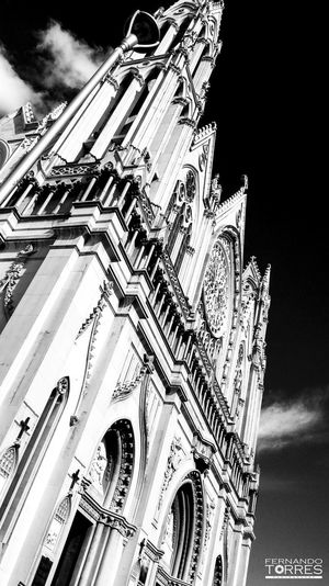Blackandwhite Eyemphotography EyeEmNewHere Eyemfollow Eyem Gallery Photography City Place Of Worship Religion Sky Architecture Building Exterior Built Structure Cloud - Sky