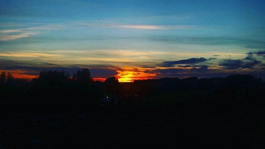 Sunset Sunsets Sun Rome Sky Moment Emotion Instamoment Instasunset Instasunsets Sunsetlovers Sunny Love Cool Instagram Insta Photooftheday Instaphoto Followme Instalike Likes Rome Dettaglidiroma Igersroma Landscape