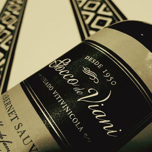 ViernesDeVino Tinto Vino Tinto Close-up Western Script Text Number Vino Argentino Mendoza Vinotinto Vinorosso Bottle Botle Wine Argentina Bodega Bodega De Mendoza