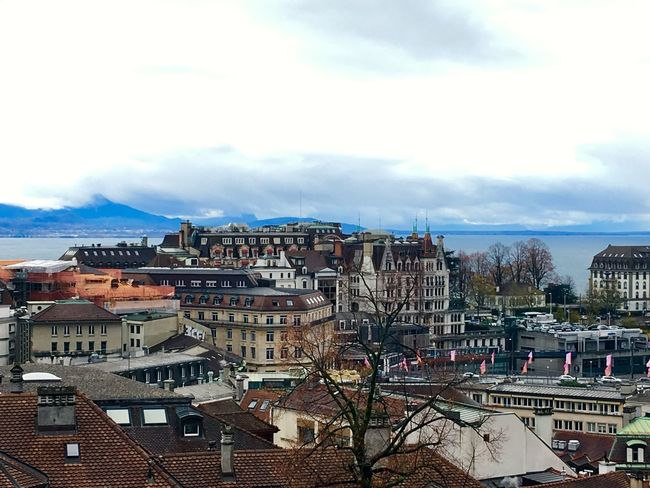 Lausanne 🇨🇭 Switzerland Cloud And Sky Architecture Architecture_collection Lake View City View  Landscape_photography Landscape Traveling Photography Traveling Autumn Collection Autumn🍁🍁🍁 Street Photography