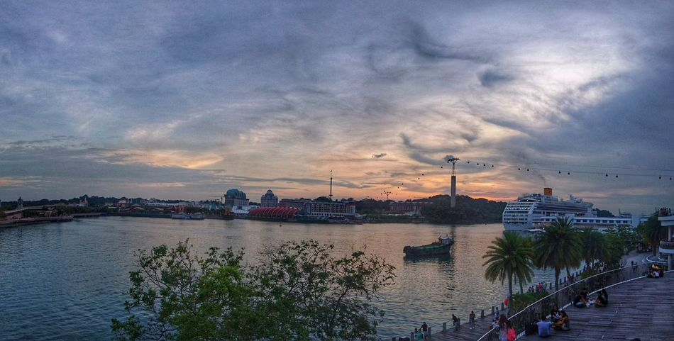 Watching the sun goes down Cityscape Cloud - Sky City Sky Water Sunset Urban Skyline EyeEm Gallery Sky And Clouds Waterfront Tourism From My Point Of View Aerial View HDR Hrd_collection