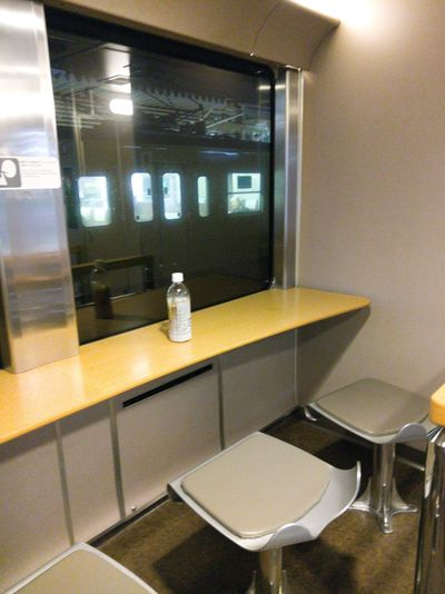 Sunrise Express Mini Loung area. Here is a place to meet and talk with many travelers. Train Sleeping Car Sunrise Express Izumo