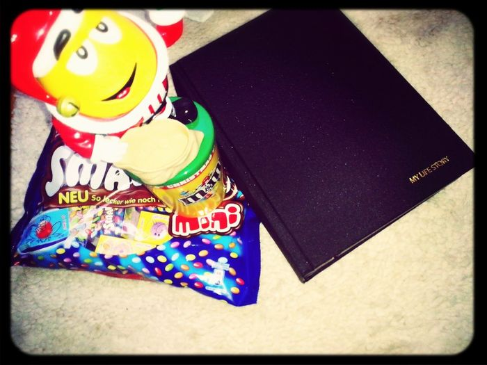 omg.. you made me so happy :3 thank you and merry christmas Merry Christmas! M&m's Smarties My Life Storybook :)