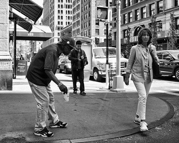 Union Square Manhattan NY Spring 2016 Streetphotography Nycstreetphotography Streetshots Photography Nycphotography MonochromePhotography Streetshooter Realnyc Nyclife Blackandwhitephotography Nycneighborhoods Streetdocumentary Rawstreetphotography Unionsq Unionsquare Manhattan Newyork NYC Ricohgr 28mm