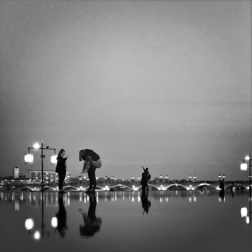 Water games in Bordeaux First Eyeem Photo Bordeaux People And Places Bnw City Life City View  People Bridge Reflection
