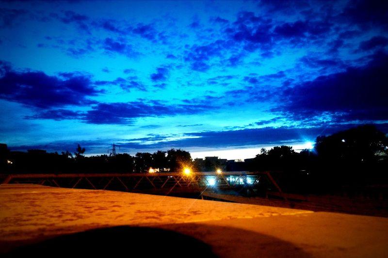 Blueclouds Bluesky Tramonto Cieloblu Nuvolerapide Eyemskylovers Eyemphotography Eyem Best Shots EyeEm Best Shots Eyem Nature Lovers  Eyem Gallery Eyemnaturelover Eyemphotos Eyembestshots Eyemblue Eyemcaptured Enjoying Nature Park Light And Shadow