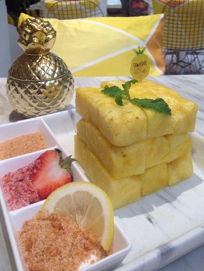 Fresh pineapple Foodpresentation Fruit DeliciousSweet