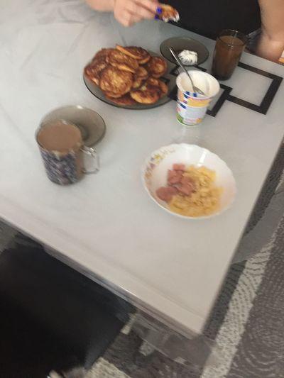 12.00 - 6 сырников со сметаной и малиновым вареньем ип завтракообед
