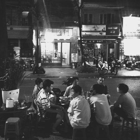 Nighlife in Saigon. Funtimes with Friends. không say không về, say rồi sao về