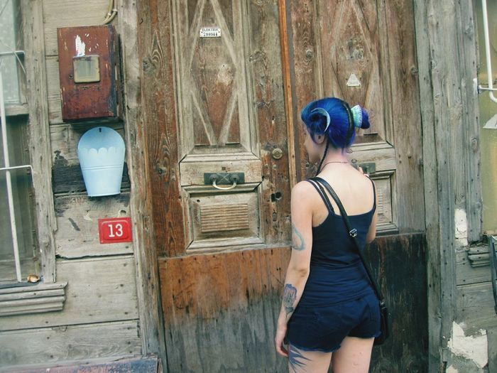 Avenue Tattooedgirls Istanbul Turkey Blue Blue Hair Cupcake Old Old Buildings Haunted House Wood Urban