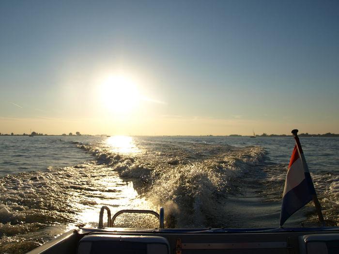 Blue Sun Sunset Motorboat Water Motorboat Vlag Boat Speedboat On The River Speedboatride Water Speedboat