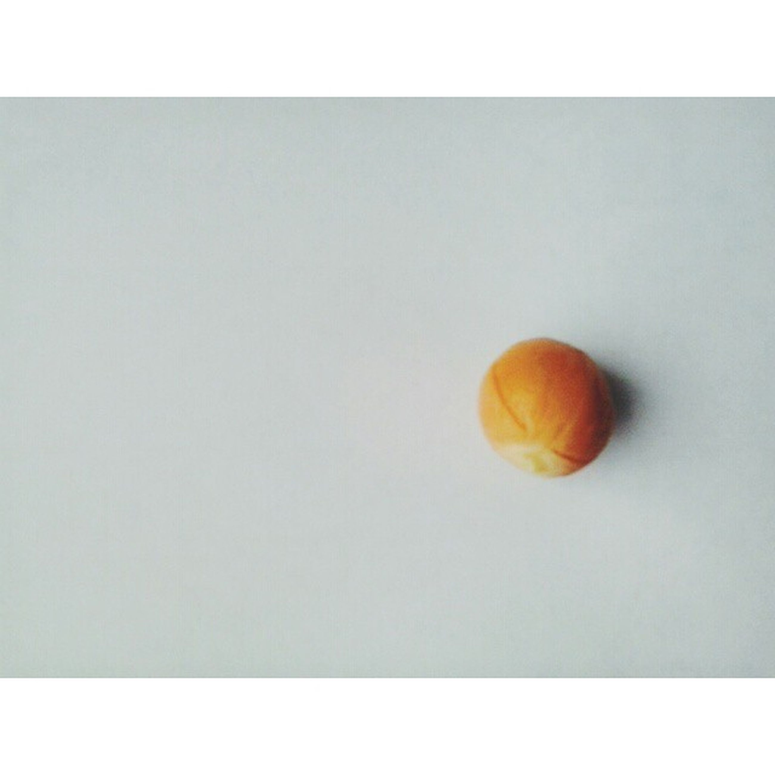 transfer print, auto post production filter, food and drink, still life, copy space, studio shot, single object, yellow, high angle view, close-up, fruit, indoors, white background, healthy eating, food, table, no people, freshness, directly above, orange color