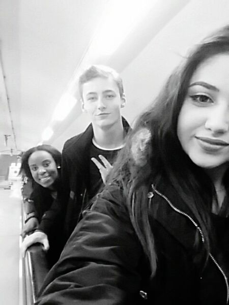 This was day 1 in London. I was with my friends the hole time, even tho the teacher already made the groups. But i hated my group, so i staid with these 2. We actually are a group of friends wich counts 5 people, but the other 2 dont like selfies. London Selfie Escalator Underground Oxford Circus Me Myfriends Mylovedones Besties Btw dont u guys think thay my friend looks like the young version of Leonardodicaprio  ?