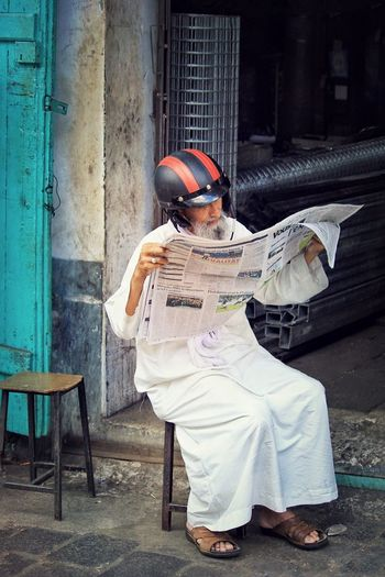 My Smartphone Life I used to read the news on paper ... Now I use an app with my coffee Travel Photography Streetphotography Daily Life Streetphoto_color Mauritius Beautiful People