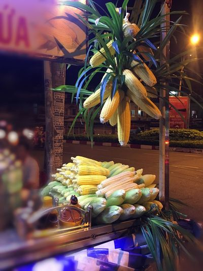 🌽 🌽 🌽 🌽 🌽 Food Foodphotography Street Food Streetphotography Life EyeEmNewHere Anchobi City Vietnam Corn Plant Food And Drink Food Healthy Eating Nature Fruit Wellbeing Freshness No People Night For Sale