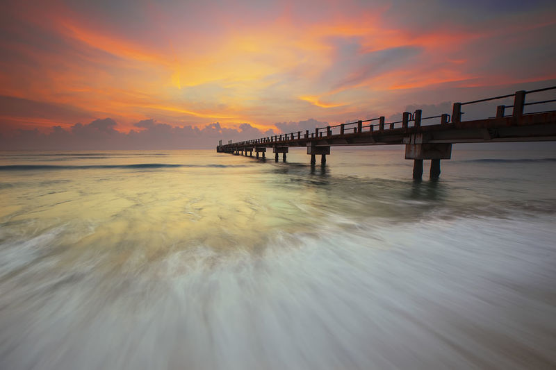 The Jetty Taking Photos That's Me Hello World Cheese! Relaxing Hi! Enjoying Life Abandon Landscape Sunrise Seascape Beautiful Wallpaper View Background