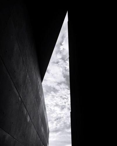 Low Angle View Architecture Sky History Building Exterior Day 教会 安藤忠雄 新国立美術館 建築 Shadows Potography Tadao_ando Modern Cloud - Sky Japan