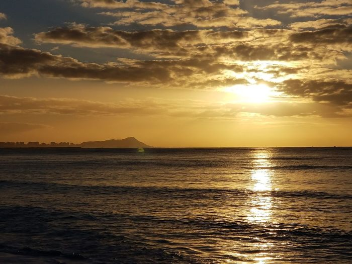 Morning Sunrise. Hawaii Life Sunrise Diamond Head Water Sea Horizon Beauty Beach Sunlight Sun Reflection Gold Colored Low Tide Romantic Sky