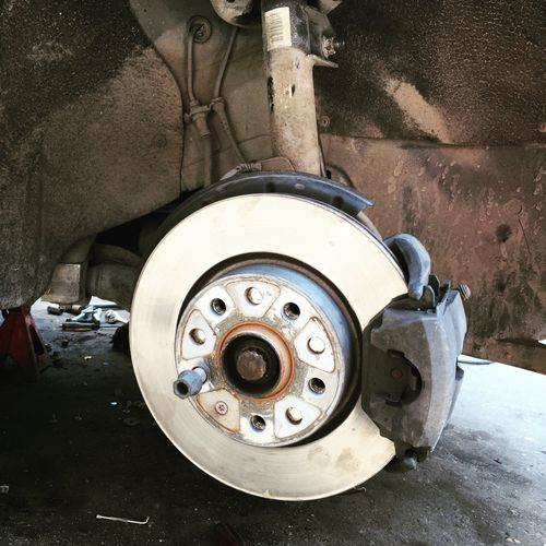 Safety Used Cars Autos Cars Car Auto Vehicle Spair Spair Parts Parts Usedcar Used Used Car Repairs Repair Tire Work On Progress Working Down Metal Service