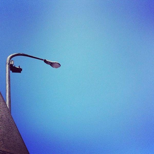 11:10am Calor Igersperu Ig_peru Streetphoto sky blue minimal lima