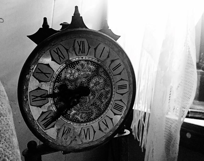Clock Antique Architecture Roman Numeral Clockface Broken Old Beautiful Time Brass Clockworks Close-up Blackandwhite Photography Black & White Black And White Textures And Surfaces Texas Photographer Bw_ Collection Ipadair2 BW_photography Black And White Photography DevineTx Home Interior Ipadphotography Devine