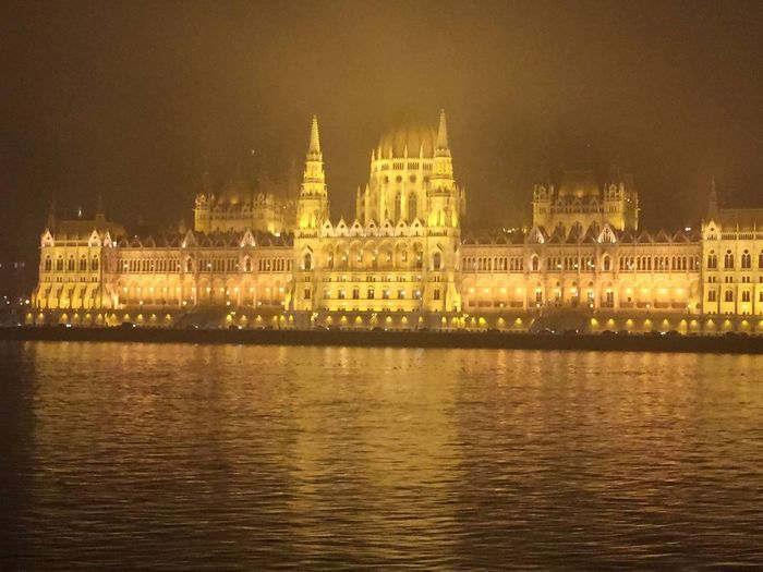 PalaPhoto Parliament Parlament Budapest Beautiful Hungary Night Winter ProudToBeHungarian Light Nofilter Cities At Night