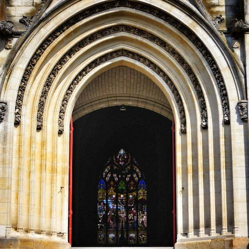 L'entrée de l'église st André à #niort Sa façade est visible sur ma précédente photo The halldoor of st Andre church. The outside can be seen on my last pic Architecturedaily Archiromantix Architecture Cornerarchitecture Niort Igersfrance Buildingstyles_gf Ic_architecture Urm_feature Trailblazer_rurex Ig_europe Ig_france Architecturephotography Amature_united Igersniort Modarch_masters Archimasters