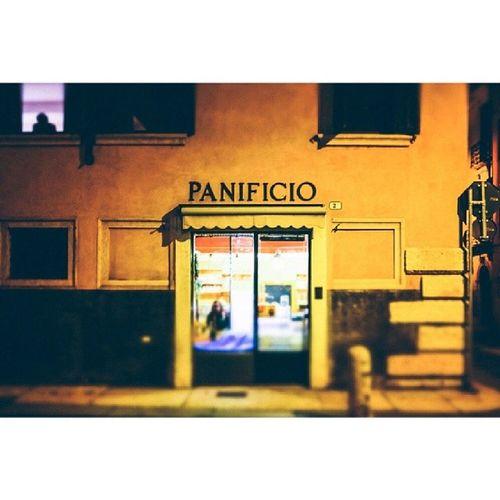 Night walk - Reportageofmylife 20140107 Panificio Tiltshift