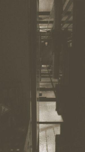 Dresden Aufzug Fahrstuhl Lift Elevator Shaft Schacht Darkness Dark Monochrome 📷