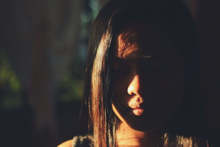 Sunlight Portrait Visualsoflife Photographylovers EyeEm Gallery Taking Photos EyeEm EyeemPhilippines PortraitPhotography The Portraitist - 2018 EyeEm Awards Capture Tomorrow
