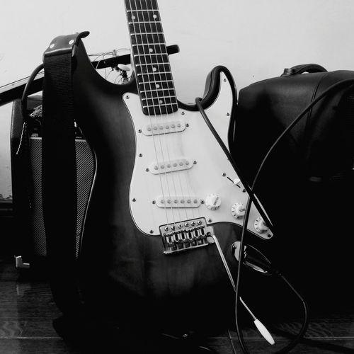 Guitar Music Making Live